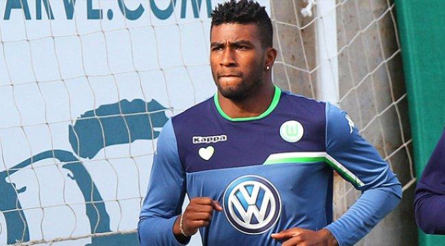 Beşiktaş, Wolfsburg'un Perulu Stoperi Carlos Ascues İçin Teklif Yaptı