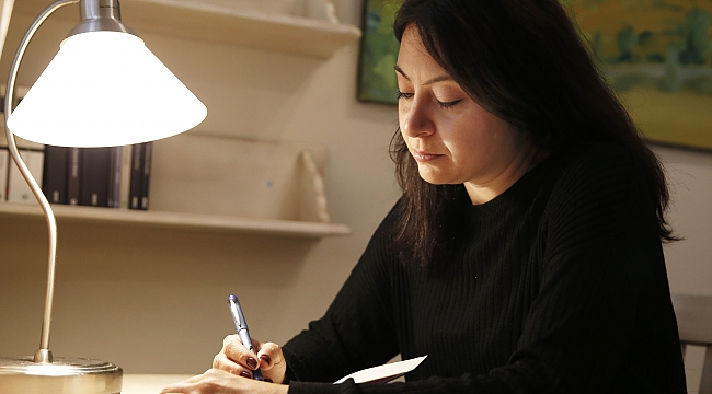 Genç yazar 20 yıl sonra yeniden İzmir'de