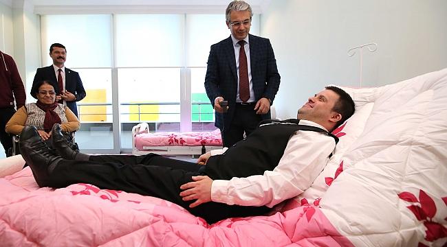 Karşıyaka' da Engeller Aşılıyor