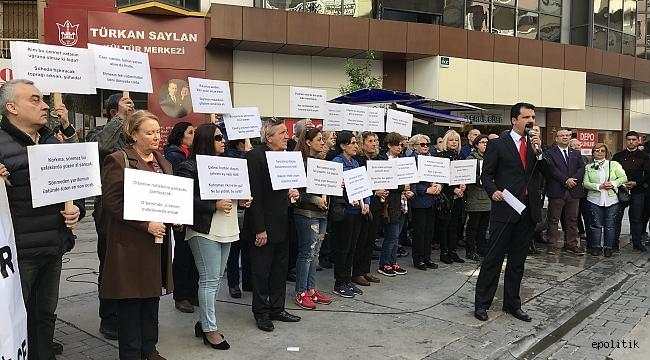 Konak'tan Türkiye'ye 10 Kıta İstiklal Marşı'yla Haykıran Çocuk Ağlattı