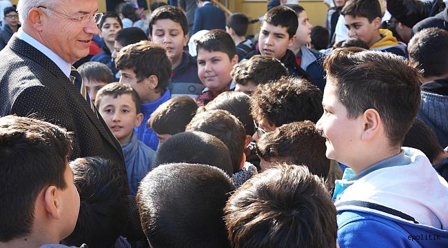 Torbalı'da Festival Tadında Çocuk Şenliği