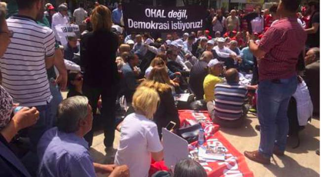 Tüm Emekliler 'OHAL Değil Demokrasi İstiyoruz.' dedi