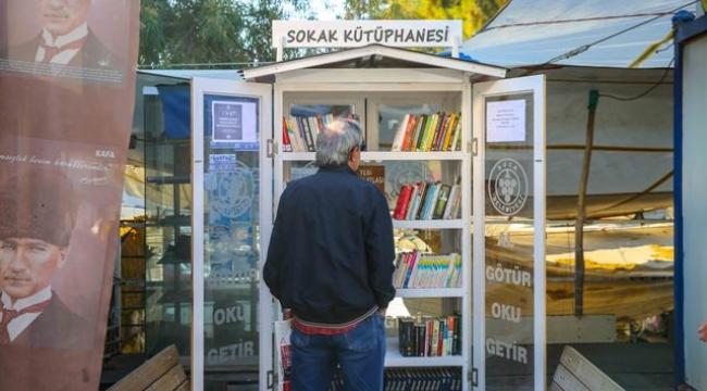 Bucalılar Sokak Kütüphanesini Çok Sevdi