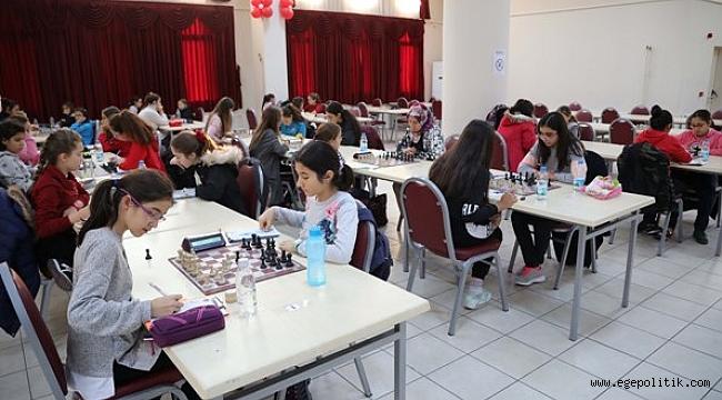 Bayraklı'da Kadınlar  Şampiyonluk İçin  Hamle Yaptı