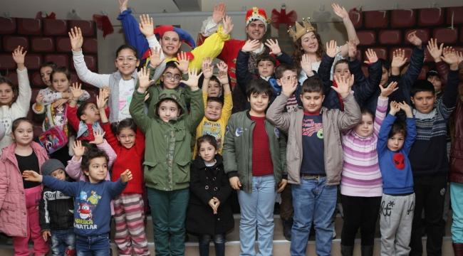 Bayraklı'da  Tiyatro  Festivali