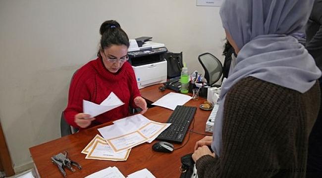 Buca'da Başarılı Öğrenciye Burs