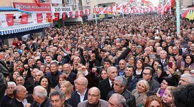 Bayraklı'da CHP'li Sandal'dan Gövde Gösterisi