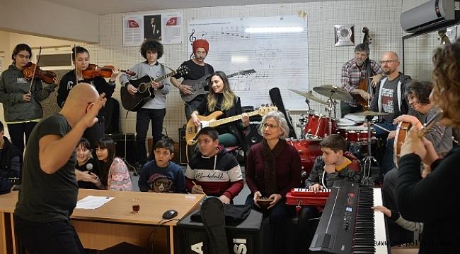 Dünya Müziğinin Usta İsimleri  Bergama'da Buluştu