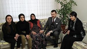 """Kılıçdaroğlu'nun Fotoğrafını Gösterdiği Kadından Sitem, """"Yazıklar Olsun"""""""