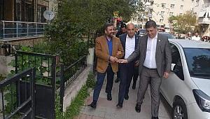 CHP'li Polat  Karşıyaka Esnafını Ziyaret Etti