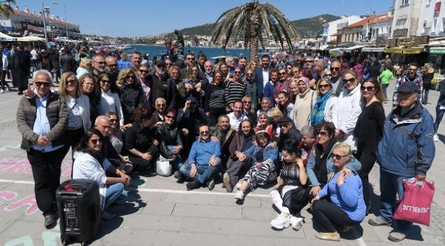 Foça Demokrasi Meydanın'da 23 Nisan Sevinci
