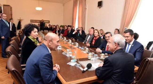 Kılıçdaroğlu, İzmir ve İlçe Belediye Başkanlarını Kabul Etti