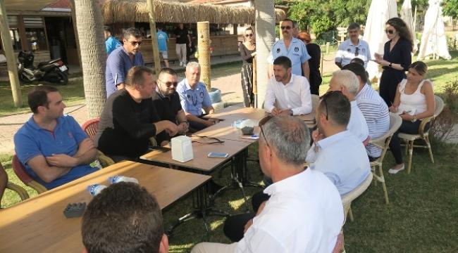 Başkan Gürbüz, Yeni Foça Esnafı İle Toplantı Yaptı