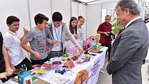 Bilim Dünyasının Kapıları Bornova Belediyesi ve TÜBİTAK İşbirliğiyle Aralandı