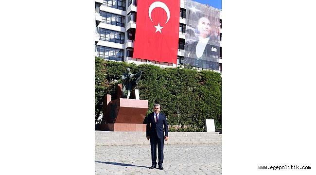 """Serter: """"İzmir Türkiye'nin Bağımsızlığının Kalesi"""""""