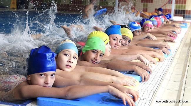 Bornova Belediyesi'nin Yüzme Eğitimleri 17 Haziran'da başlıyor