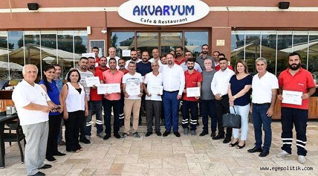 Başkan Utku Gümrükçü'den moloz ekibi'ne teşekkür belgesi