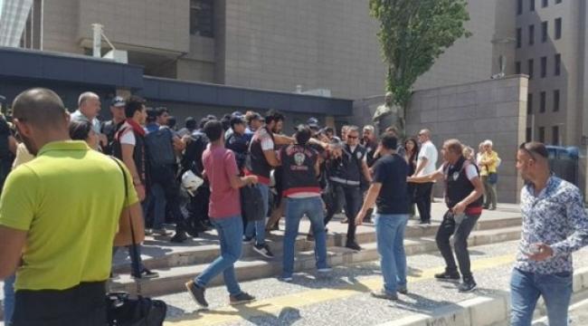 İzmir'deki avukatların kayyum eyleminde 26 avukat gözaltına alındı