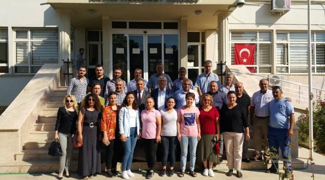 AKP'li Kiraz Belediyesi'nde İşten Çıkarılan İşçilerin Yanındaydı