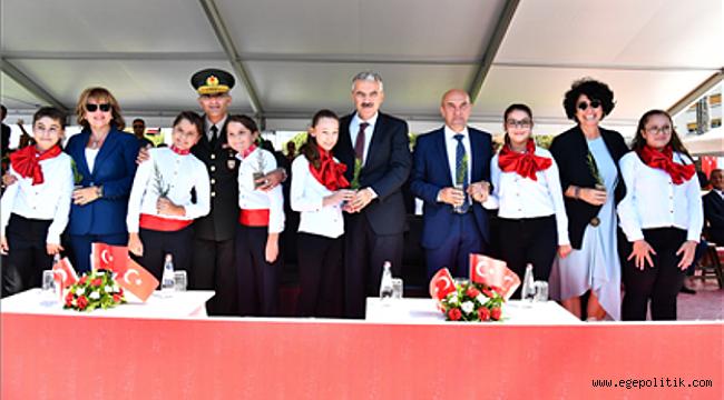 """""""İzmir 'Kuruluş Seferberliği'ni başlatan şehirdir"""""""