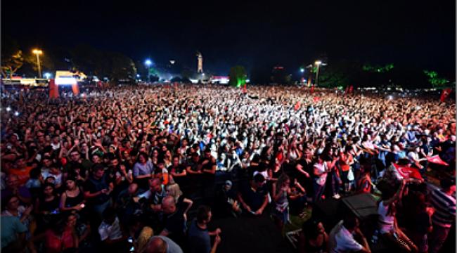 izmir Orman konserinden 477 bin lira toplandı
