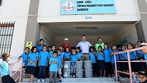 Okulların iç ve dış cephe boyası Çiğli Belediyesi'nden