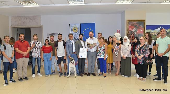 Çiğli Belediye Başkanı Hayvan Hakları Sözleşmesini İmzaladı