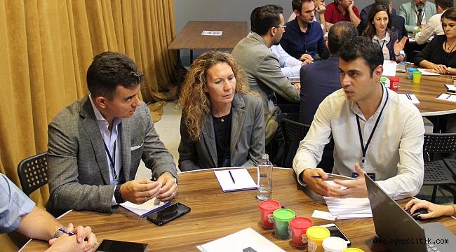 İzmir'de Bilgi ve İletişim Teknolojilerinin Geleceği