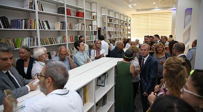 Karşıyaka'da 'Büyüktanır Homeros Kütüphanesi' kapılarını açtı