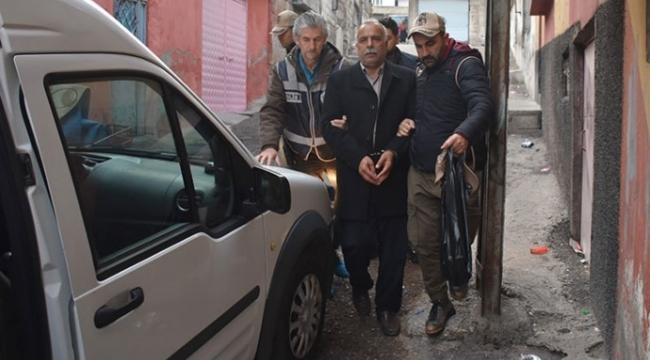 Antep'te HDP binalarına baskın: Çok sayıda kişi gözaltına alındı