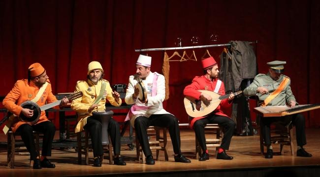 Gaziemir'de Azizname ile kahkaha tufanı