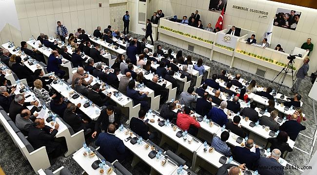İzmir Büyükşehir Belediye Meclisi'nde bütçe onayı