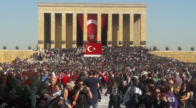 Ödemiş Belediyesi, Ödemişlileri Anıtkabir'e götürdü