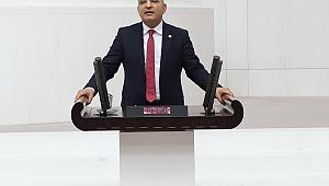 """""""YÜZBİNLERCE ÖĞRETMEN GEÇİM SIKINTISIYLA BOĞUŞUYOR"""""""