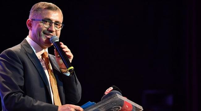 AKP'li Üsküdar Belediye Başkanına yolsuzluktan suç duyurusu