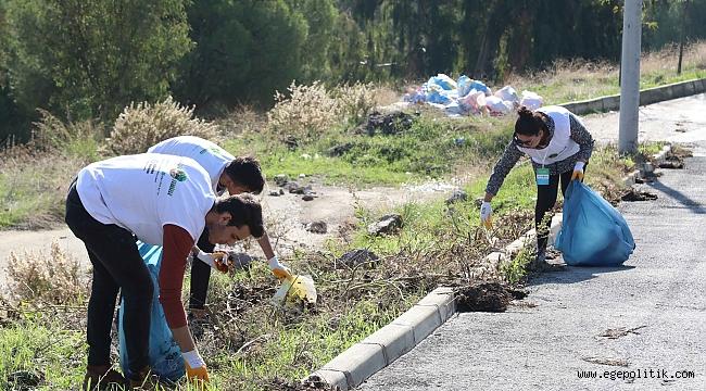 Gönüllülerden fidan seferberliği