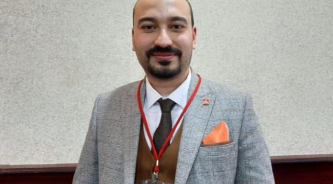 CHP Yunusemre İlçe Başkanlığı'na Yalçın Arcak seçildi