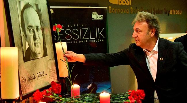 Usta Gazeteci Uğur Mumcu  Bornova'da adını taşıyan   kültür merkezinde anıldı