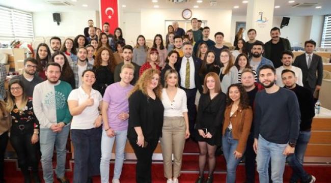 Bayraklı Avrupa'lı Gençleri Misafir Edecek