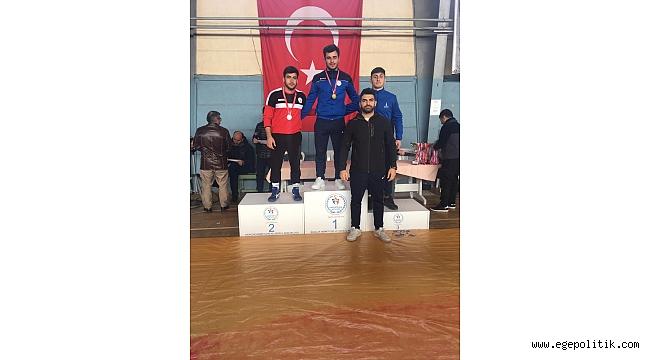 Bayraklılı güreşçiler İzmir ikincisi oldu