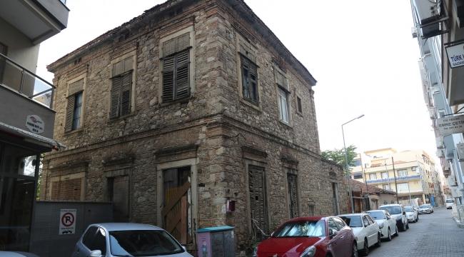 Gaziemir'e tarih kokan Edebiyat Evi