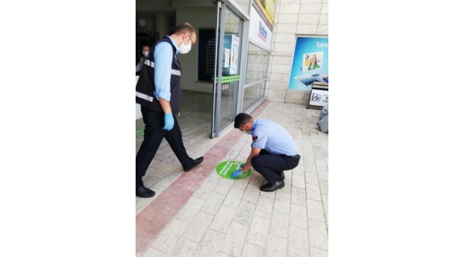 İzmir'de açılan AVM'ler kurallara uydu