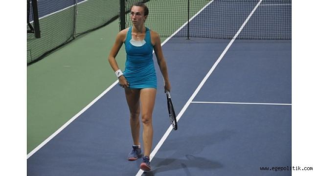20. Cumhuriyet Kızları Uluslararası Tenis Turnuvası heyecanlı maçlarla başladı
