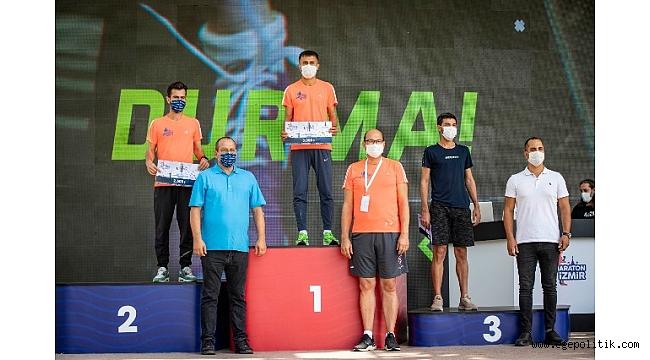 İzmir' in ilk uluslararası maratonu koşuldu