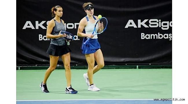Melis Sezer, Cumhuriyet Kızları Turnuvası' nda çiftler finaline kaldı