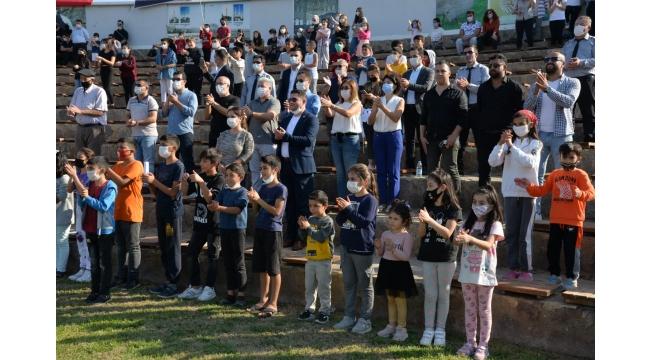 Menemenli gençler Başkan Aksoy' la bir araya geldi