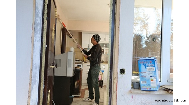 Efes Selçuk Belediyesi konutlardaki tadilatları aksatmıyor