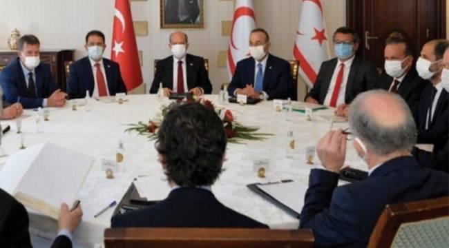 Kuzey Kıbrıs'ta partilerden AKP'ye yargıya müdahale tepkisi