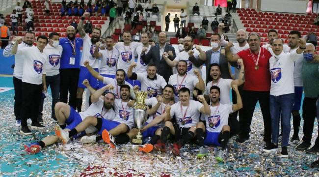 Başkan Soyer hentbol takımının şampiyonluğunu kutladı