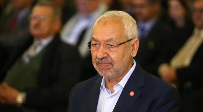 Tunus ordusu parlamentoyu kuşattı: Meclis Başkanı Gannuşi ve milletvekilleri içeri alınmadı